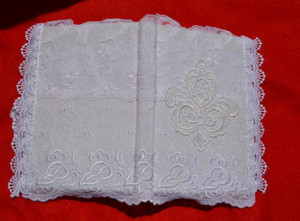 linkovaný zápisník s krajkovým obalem